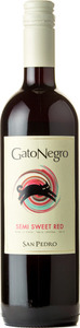 San Pedro Gato Negro Semi Sweet Red 2013 Bottle