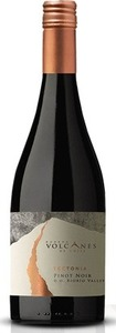 Volcanes De Chile Tectonia Pinot Noir 2012, Bío Bío Valley Bottle